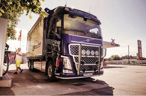 Volvo lastvagnar upplever stort intresse för HVO - nu behövs rätt pris och en ökad produktionsvolym