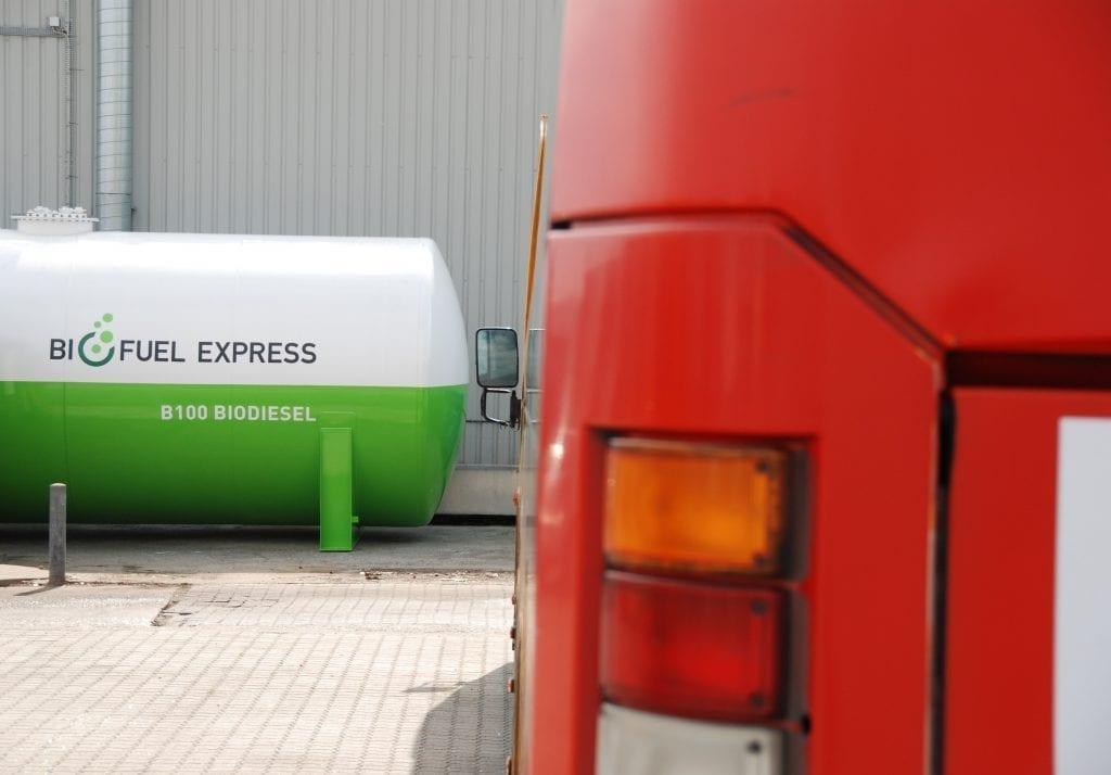 B100 bustransport